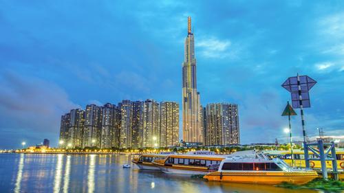 VinMart bề ngoài hoàn toàn mới nằm trong LandMark 81 - toà nhà cao nhất Việt Nam.