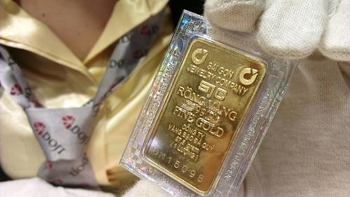 Mỗi lượng vàng miếng giảm cả trăm nghìn đồng