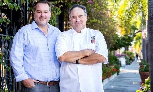 Hai đồng sáng lập Chefs Cut Real Jerky - Dennis Riedel (trái) và Blair Swiler. Ảnh: Chefs Cut Real Jerky