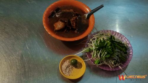 Hành trình ẩm thực Việt Nam: Những cung đường mùa hèHành Trình Ẩm Thực Việt Nam - Những Cung Đường Mùa Hè (xin bài edit) - 2