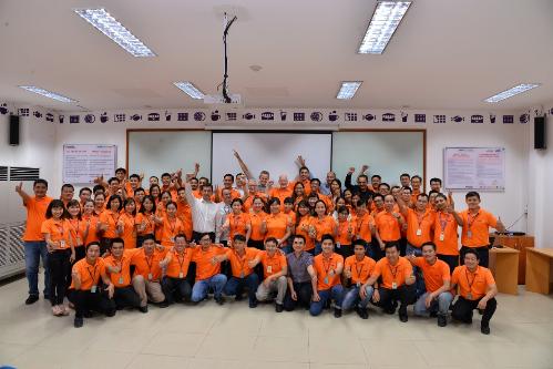 Doanh nghiệp thường xuyên tổ chức một vài buổi đào tạo kỹ năng cho đội ngũ do một vài chuyên gia từ nước ngoài đến Việt Nam giảng dạy.