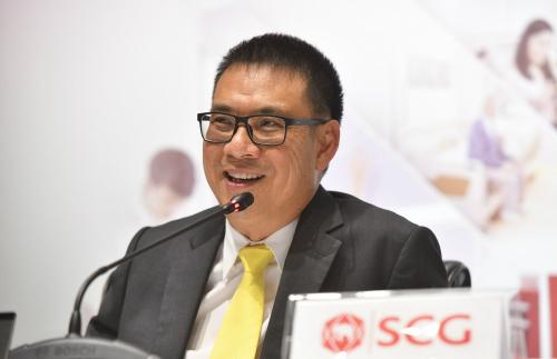 Ông Roongrote Rangsiyopash - Chủ tịch kiêm Tổng Giám đốc điều hành của SCG ở buổi ra mắt kết quả kinh doanh quý II và nửa đầu năm.