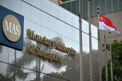 Xay dung thi truong von lanh manh nhin tu Singapore