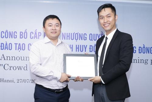 Ông Trung và CFM Investment cấp phép nhượng quyền đào tạo chương trình gọi vốn cộng đồng CFM cho ông Nguyễn Trọng Giang - 1 trong các học viên cũ của chương trình