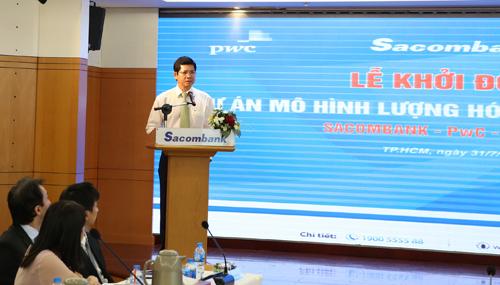 Ông Phạm Văn Phong - Phó chủ tịch thường trực HĐQT Sacombank phát biểu ở sự kiện khởi động dự án.