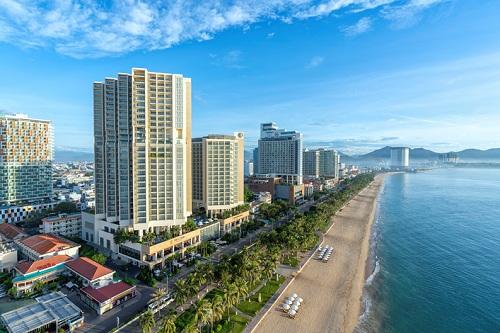 The Costa Nha Trang nằm ngay trên cung các con phố vàng Trần Phú hướng Vịnh Nha Trang tuyệt đẹp.