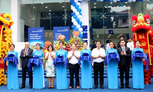 Lễ khai trương điểm chuyển nhượng Thứ nhất của Bản Việt ở Bắc Ninh.