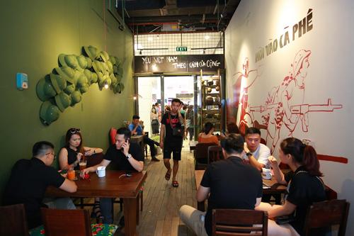 Không gian ấn tượng của café Cộng Thứ nhất ở đô thị Thái Nguyên lôi kéo 1 số khách mua trẻ.