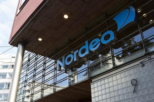Bên ngoài 1 chi nhánh của ngân hàng Nordea (Thụy Điển). Ảnh: Reuters