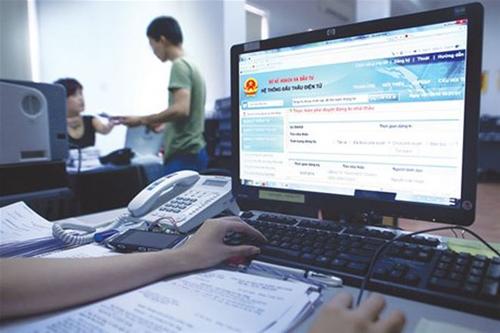 Doanh nghiệp thực hiện 1 số bước tạo lập hồ sơ trên hệ thống đấu thầu qua mạng.