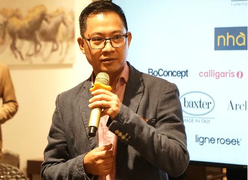 Ông Lý Quí Trung xuất hiện với tư cách Tổng giám đốc AKA tối 10/8 tại TP HCM. Ảnh: Viễn Thông