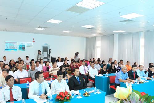 Ngân hàng TMCP Kiên Long (Kienlongbank) vừa tổ chức lễ quay số chương trình khuyến mại Hè rộn ràng - Ngập tràn quà tặng, tìm ra 340 KH trúng thưởng.
