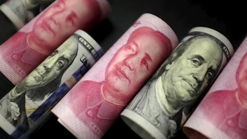 NDT đã mất giá hơn 7% so có USD trong 3 tháng qua. Ảnh: Reuters