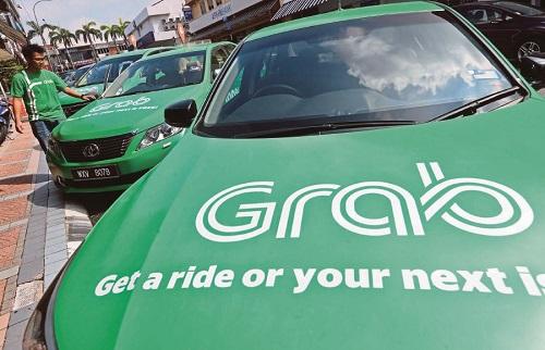 Hiệp hội taxi Hà Nội kiến nghị Grab phải gắn mào
