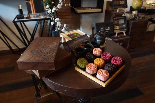 OSSSO Boutique - Không gian cafe kết hợp hoa tươi và quà tặng - 1