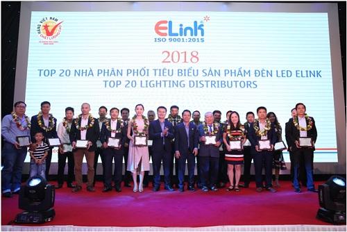 Elink đã ra mắt đến khách hàng hệ thông dây chuyền sản xuất đèn LED tự động tân tiến của Nhật Bản ở Hội nghị tri ân khách hàng toàn quốc 2018.