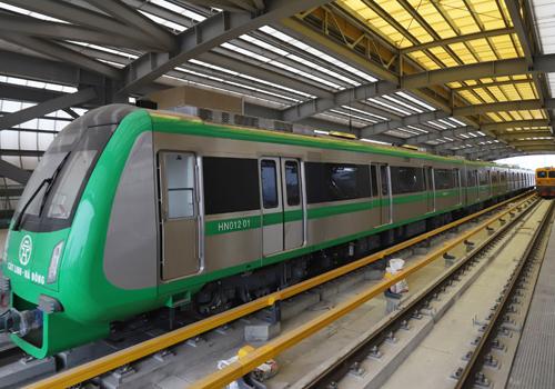 Dự án đường sắt trên cao Cát Linh - Hà Đông trong GĐ chạy thử nghiệm trước khi hoạt động chính thức cuối năm 2018, sau 10 năm thi công và 4 lần lỗi hẹn. Ảnh: Ngọc Thành