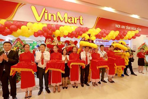 Lễ cắt băng khai trương Siêu thị Vinmart ở Vincom Plaza Trần Phú.