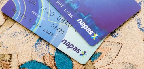 Chương trình khuyến mại có thể kết thúc trước thời hạn mã khuyến mại được sử dụng hết. Thông tin chi tiết vui lòng truy cập website Vietnam Airlines, Napas và những Ngân hàng tham dự Chương trình.