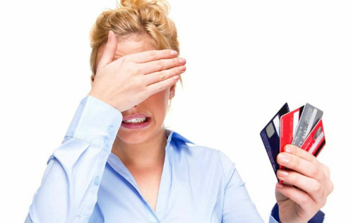 3 không giúp tránh đổ nợ vì cà thẻ tín dụng - 2