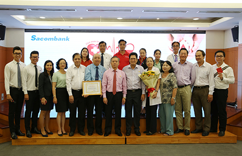 500 cán bộ nhân viên Sacombank hiến máu nhân đạo
