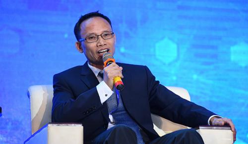 Chuyên gia tài chính ngân hàng Cấn Văn Lực.