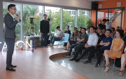 Ông Hà Hoàng Linh chia sẻ ở buổi hoạt động AIS chiều 18/8.