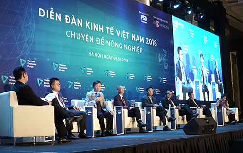 Sau chuyên đề nông nghiệp diễn ra hồi tháng 5, vốn - tài chính là nội dung thứ hai của Diễn đàn Kinh tế Việt Nam (ViEF) diễn ra cuối năm nay có sự tham dự của Thủ tướng Chính phủ.