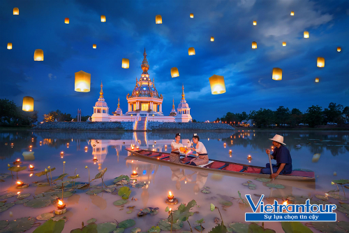 Du khách có thời cơ tham dự Lễ hội thả đèn trời Loy Krathong khi đến Thái Lan dịp cuối năm.