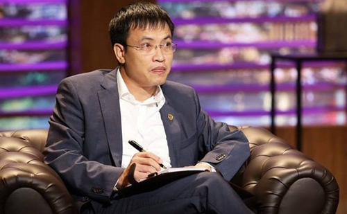 Shark Vuong thoai sach von tai SAM Holdings