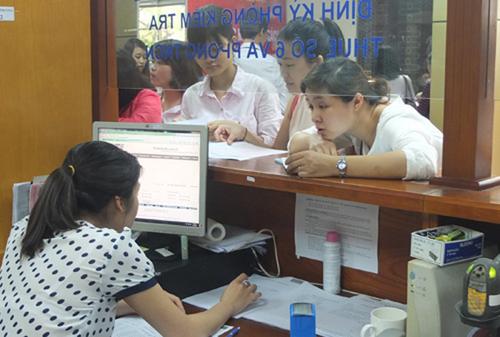 Cá nhân, công ty làm việc có cán bộ thuế ở 1 chi cục ở Hà Nội. Ảnh: T.L.