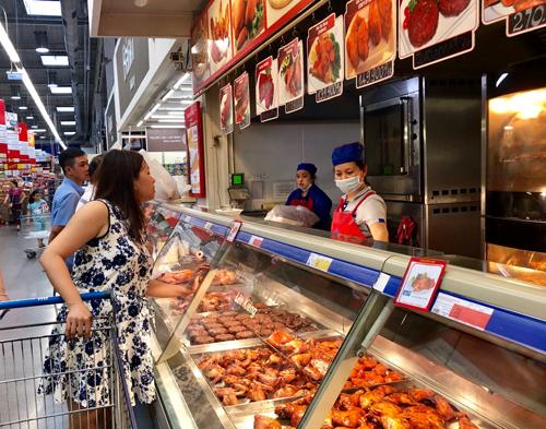 Ngoài giảm giá, MM còn tăng sản lượng mặt hàng và kiểm soát nghiêm ngặt vấn đề an toàn vệ sinh thực phẩm.