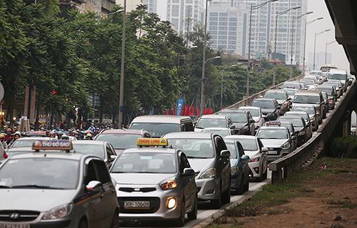 Đề xuất thay đổi cách tính phí trước bạ ôtô