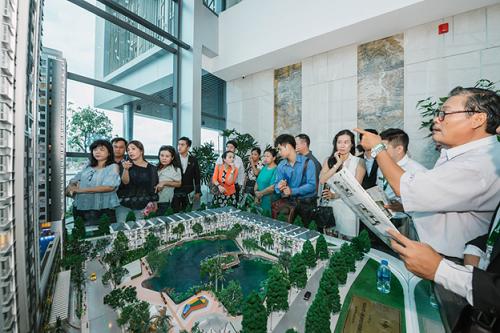 Hàng trăm khách hàng tham quan nhà mẫu dự án Green Star Sky Garden vừa mới ra mắt tuần vừa qua tại khu Nam Sài Gòn