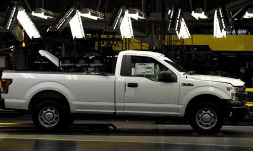 Vì sao Bộ Tài chính muốn tăng phí trước bạ với xe bán tải?