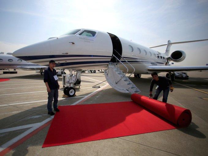 Người giàu nhất hành tinh kiếm và tiêu tiền như thế nào