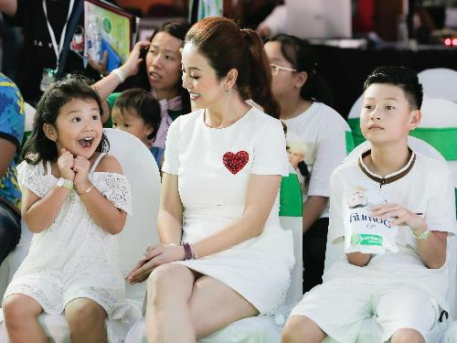2.000 trẻ em tham dự lập kỷ lục địa cầu - 8