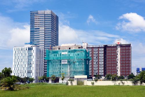 Nhiều công trình dự định hoàn công ở khu Thương mại Tài chính Quốc tế - Phú Mỹ Hưng.