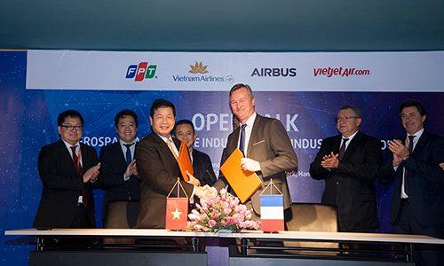 FPT ký kết hợp tác Airbus vào cuối năm 2017. Ảnh: Anh Tú.