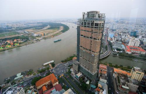 Tòa nhà Saigon One Tower - 1 trong các dự án Thứ nhất được đưa ra đấu giá để thu hồi nợ. Ảnh: Quỳnh Trần.