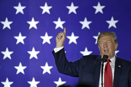 Tổng thống Mỹ - Donald Trump có thể công bố áp thuế trong vài ngày tới. Ảnh: AP