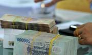 Có nên rút 2 tỷ đồng đang gửi ngân hàng để mua vàng, bất động sản?