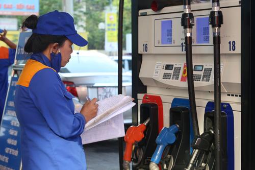 Lại đề xuất sửa công thức tính giá cơ sở xăng dầu