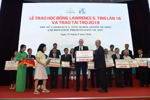 Phú Mỹ Hưng tổ chức trao gần 8,4 tỷ đồng học bổng