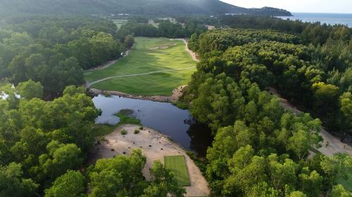 Biệt thự nghỉ dưỡng hạng sang nhắm đến khách chơi golf ở Lăng Cô
