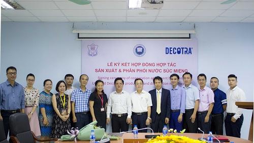 Doanh nghiệp hợp tác trường Y Hà Nội sản xuất nước súc miệng