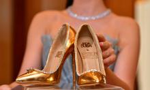 Đôi giày đắt nhất thế giới giá 17 triệu USD