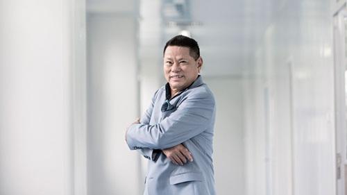 Hoàng Kiều hiện là Phó chủ tịchShanghai RAAS Blood Products. Ảnh: Forbes