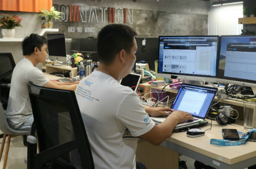 Các kỹ sư của Kobiton đang làm việc tại UpStar Labs (Việt Nam).