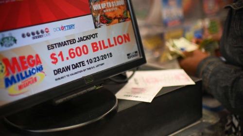 Một quầy bán vé số tại Mỹ dịp giải Mega Millions đạttrị giá 1,6 tỷ USD vừa qua. Ảnh: AFP